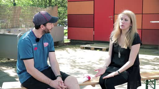 Wortpiratin rot-weiß: Der Trainer zu Gast