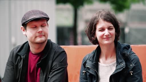 Wortpiratin rot-weiß: Das Fanprojekt