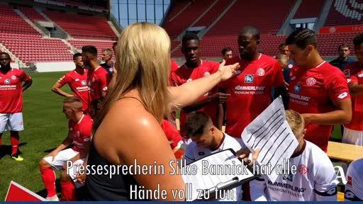 Mainz 05: Der Weg zum Mannschaftsfoto