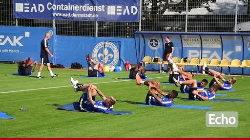 Pressekonferenz vor dem Spiel des SV 98 gegen Duisburg