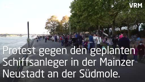 Protest gegen geplanten Schiffsanleger am Mainzer Zollhafen