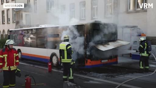 Schiersteiner Straße: Bus gerät in Brand