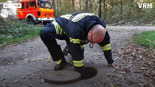Feuerwehr kontrolliert im Ober-Olmer Wald